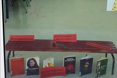 "Una panchina rossa in Biblioteca per dire ""No alla violenza sulle donne"""