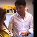 PD, Renzi riconsegna la tessera a Maria Adriano. VIDEO