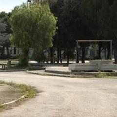 Giostrine per bimbi disabili al parco giochi di Villa Papa Giovanni XXIII