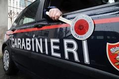 Calci all'auto dei carabinieri, nei guai un 39enne di Trinitapoli