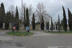 Cimitero, ok all'individuazione di nuove aree per l'ampliamento