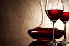 Crollo del consumo di vino pugliese, raggiunto il minimo storico