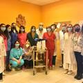 Start-up casalina dona cuffie anticaduta alle pazienti dell'istituto tumori di Bari